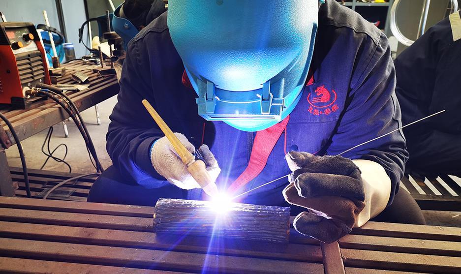 虎振氩弧焊培训